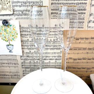gold rim champagne glass