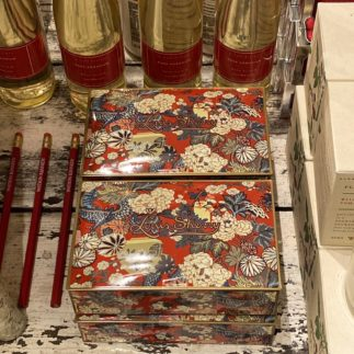 Red floral Louis sherry tin